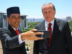 Presiden Jokowi Sampaikan Selamat Iduladha kepada Presiden Erdogan Dari Telepon